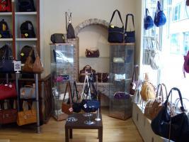 Foto 3 Geschäftsauflösung - (Ohne Einrichtung) Lederwaren und Reisebedarf
