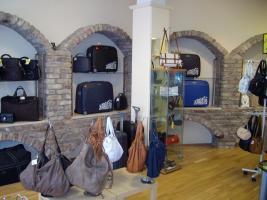 Foto 5 Geschäftsauflösung - (Ohne Einrichtung) Lederwaren und Reisebedarf
