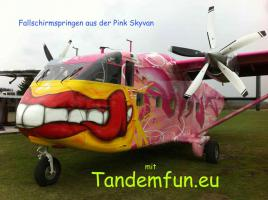 Foto 3 Geschenkidee! Fallschirmspringen bei Tandemfun in Klatovy, Dingolfing, Zell am See, Fromberg