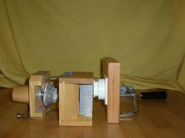 Foto 2 Getreide Handm�hle mit Steinmahlwerk von Messerschmidt