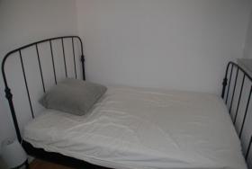 Gitterrohr-Bett