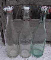 Foto 2 Glasflaschen mit Bügelverschluss, 20 Stück, sehr alt, teils aus den 50igern