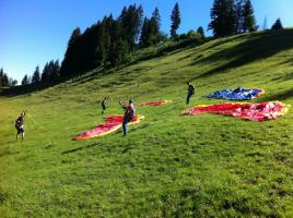 Gleitschirmfliegen - lerne Gleitschirmfliegen im Berner Oberland, BE, CH