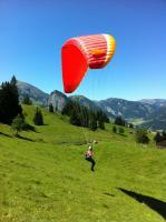 Foto 2 Gleitschirmfliegen - lerne Gleitschirmfliegen im Berner Oberland, BE, CH