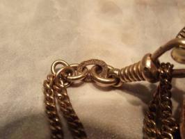 Foto 4 Goldene Taschenuhr 585 Gold (kleine Damenuhr mit langer Kette)