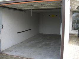 Foto 2 Große Garage