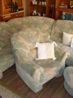 Foto 2 Große, gemütliche Couchgarnitur mit Rundecke und Fußhocker