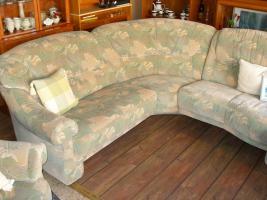 Foto 5 Große, gemütliche Couchgarnitur mit Rundecke und Fußhocker