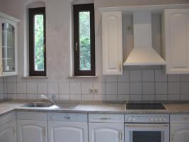 Foto 5 Große, helle Einbauküche mit allen Geräten, Topfkarussel usw. zu verkaufen