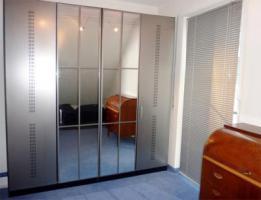 Großer 4-türiger Schlafzimmer-Kleiderschrank Spiegeltüren