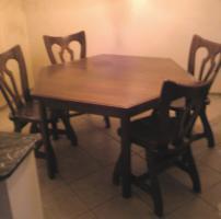 Grosser Esszimmer Tisch mit 6 St�hlen -Eiche massiv-