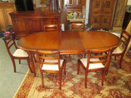 Grosser ovaler Tisch mit 6 Stühlen- Kirsch Holz