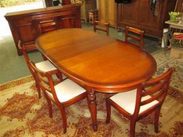 Foto 2 Grosser ovaler Tisch mit 6 Stühlen- Kirsch Holz