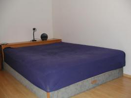 Großes Bett an Selbstabholer zu verschenken