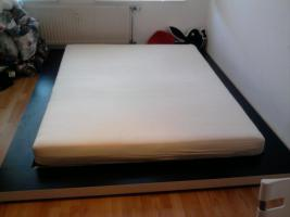 Foto 2 Großes Doppelbett von Ikea