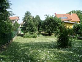 Foto 2 Grosses Grundstück mit altem Haus € 60000, --