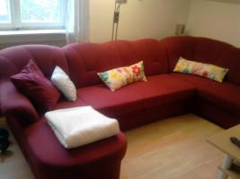 Großes neuwertiges Sofa mit Schlaffunktion, U-förmig