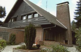 Foto 2 Großzügiges Ein- bis Zweifamilienhaus mit eigenem Apartement