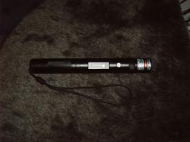 Foto 2 Grüner Laserpointer in Alu Gehäuse Schwarz ! Top > 80 mW brennt! über  6000m Reichweite