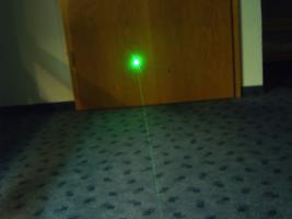 Foto 4 Grüner Laserpointer in Alu Gehäuse Schwarz ! Top > 80 mW brennt! über  6000m Reichweite