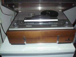Grundig Tonband TK 341 hifi aus dem Jahr ca. 1965 mit Mikrofon