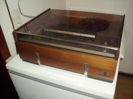 Foto 8 Grundig Tonband TK 341 hifi aus dem Jahr ca. 1965 mit Mikrofon