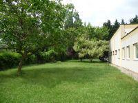 Foto 2 Grundstück mit Halle, Büro und Garten.