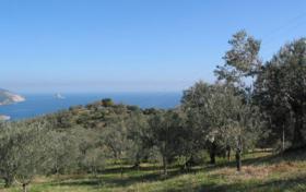 Foto 3 Grundstück mit Meeresblick nahe Galatas