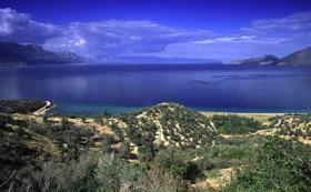 Grundst�ck direkt am Meer/Griechenland