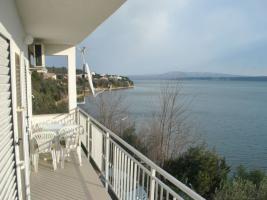 Foto 8 Gruppenhaus in Posedarje in Dalmatien direkt am Meer bestehend aus 5 Ferienwohnungen