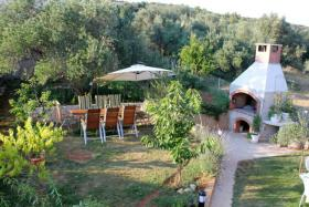 Foto 4 Gruppenhaus in Posedarje bei Zadar bis zu 16 Personen, 4 Apartments
