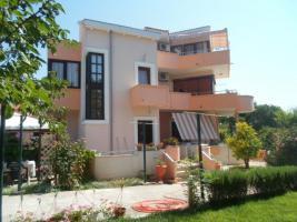 Gruppenhaus in Privlaka bei Zadar Dalmatien, bis zu 18 Personen, 3 Ferienwohnungen