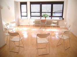 Gruppenraum-Übungsraum-Praxisraum 40 m² tage- oder stundenweise, Schillerstr. Ffm.