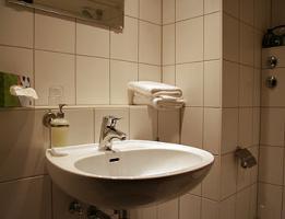 Foto 2 Günstige Monatspreise !!!!!! Möbilierte Zimmer in Hotelanwesen