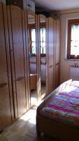 Foto 3 Günstiges Massivholz Schlafzimmer