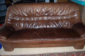 Gute Leder-Couch-Garnitur an Selbstabholer