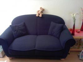 Guterhaltene Couchgarnitur bestehend aus einem 3, 2 & 1