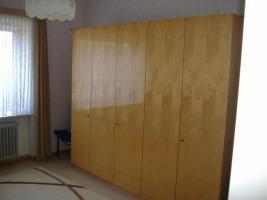Foto 4 Guterhaltene Polstermöbel , Tische und Schränke günstig abzugeben