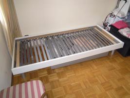 Foto 3 Gutes solides Einzelbett