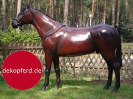 Foto 4 HALLO NACH HAMBURG …   Sie möchten gern mal unsere hauseigenen Deko Pferde lebensgross - Modell in den unterschiedlichsten Ausführungen kennenlernen … www.dekomitpfiff.de / Tel. 033767 - 30750 / info@dekomitpfiff.de