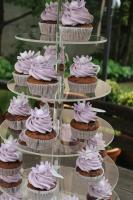 Foto 3 HAUSGEMACHT: Cupcakes im Hochzeitskleid, die etwas andere Hochzeitstorte! Ein bisschen crazy aber toll ! - Der ganz neue Trend -