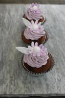 Foto 5 HAUSGEMACHT: Cupcakes im Hochzeitskleid, die etwas andere Hochzeitstorte! Ein bisschen crazy aber toll ! - Der ganz neue Trend -