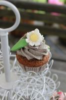 Foto 23 HAUSGEMACHT: Cupcakes im Hochzeitskleid, die etwas andere Hochzeitstorte! Ein bisschen crazy aber toll ! - Der ganz neue Trend -