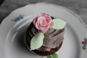 Foto 10 HAUSGEMACHT: Cupcakes in tausendundeins Variationen...einfach köstlich !... und auch optisch ein Genuß !
