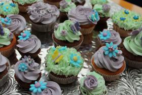 Foto 32 HAUSGEMACHT: Cupcakes in tausendundeins Variationen...einfach köstlich !... und auch optisch ein Genuß !