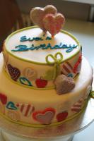 Foto 16 HAUSGEMACHT: Geburtstags - Überraschungs - Torten, die besondere Geschenkidee für besondere Menschen und besondere Gelegenheiten !