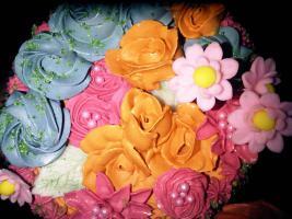Foto 4 HAUSGEMACHT: Geburtstags - Überraschungs - Torten, die besondere Geschenkidee für besondere Menschen und besondere Gelegenheiten !