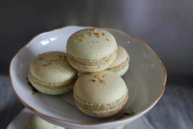 Foto 9 HAUSGEMACHT: Macarons, das besondere Geb�ck mit zartschmelzender F�llung