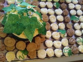 Foto 10 HAUSGEMACHT: Mini - Cupcakes, kleine süße , verführerische Leckereien...einfach passend zu jeder Gelegenheit !