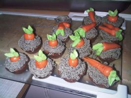 Foto 12 HAUSGEMACHT: Mini - Cupcakes, kleine süße , verführerische Leckereien...einfach passend zu jeder Gelegenheit !